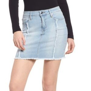 GOOD AMERICAN Mini Distressed Seams Jean MINISKIRT